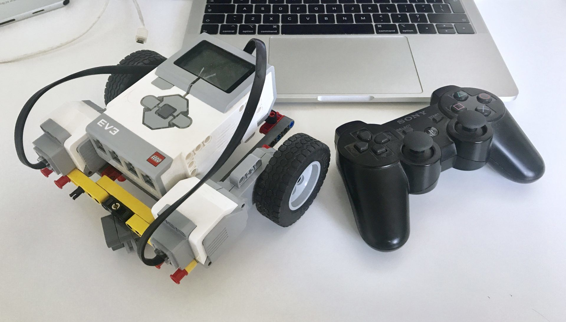 PS3 gamepad with MINDSTORMS ev3