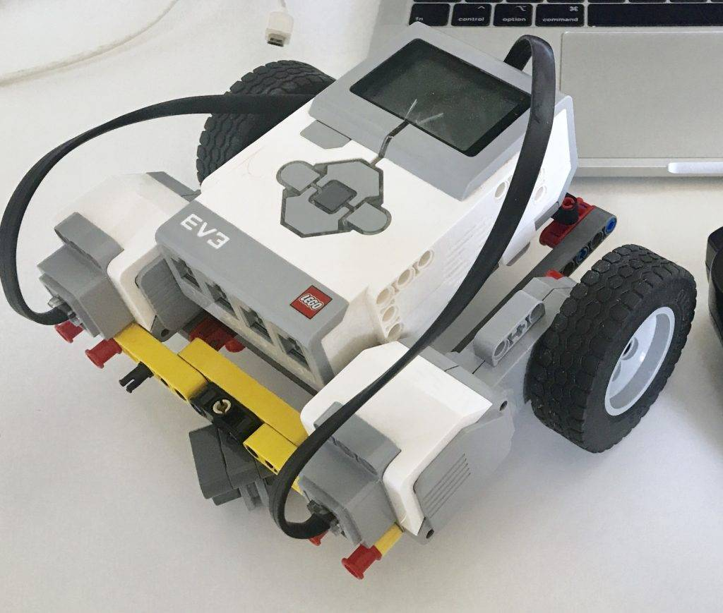 Simple EV3 robot that is controlled by a PS3 gamepad (controller) using tank-style control.